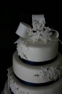 wedding cakes near me wedding cakes with snowflakes design cake and cupacke