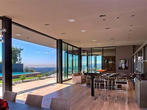 contemporary home  california showcases indulgence  style