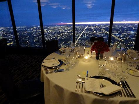 95th Floor Hancock Dinner Reservations by Who S The Highest Of Them All 5 Restaurants High Above
