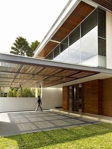 Redesigned Singaporean Residence With Illuminating
