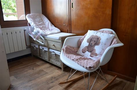 fauteuil a bascule chambre bebe chambre bb fauteuil with fauteuil bascule pour