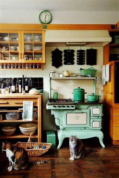 antique country kitchen 25 best country kitchens ideas on 1266