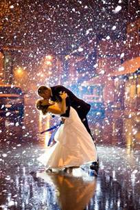 wedding photo ideas 18 drop dead gorgeous winter wedding ideas for 2015