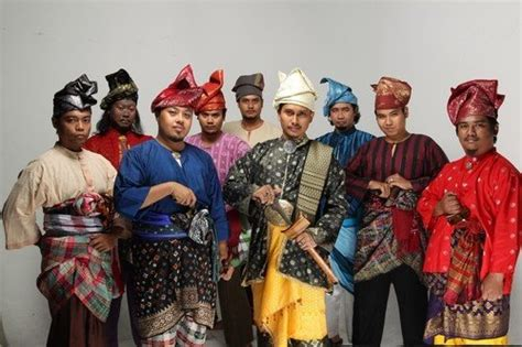 pakaian baju how to tell malays and apart in malaysia