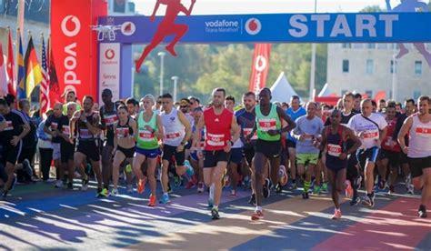 FOTO/ Çmimi i madh 5 000 euro, zbulohen çmimet fituese për çdo kategori të Maratonës së Tiranës ...