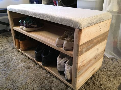 coffre chaussure palette et assise pied de lit rack design shoe rack et diy shoe rack