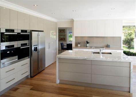 Wooden Kitchen Flooring Ideas by Modern Kitchen Flooring Ideas With Wooden Hardwood Kitchen