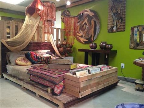 pallet beds  great sense  art