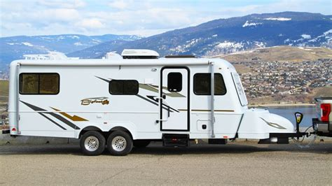 bigfoot  season fiberglass trailer walk  small