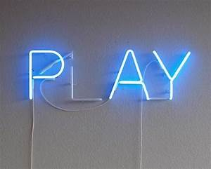 Play Neon Sign Neons