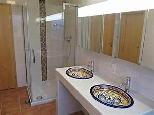 Mediterrane Badezimmer Fliesen : originelle handbemalte waschbecken f r die g ste toilette von mexambiente e k homify ~ Sanjose-hotels-ca.com Haus und Dekorationen