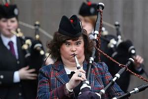 Susan Boyle Tries The Bagpipes But Ends Up Going Cross