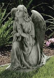 Praying angel statue. | Angels