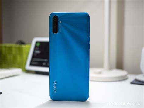 realme   helio  chipset  mah battery