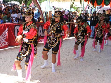 tarian tradisional temanggung gps wisata indonesia