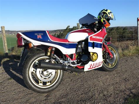 Pin Tillagd Av Tony Dönges #superbike-garage #superbike