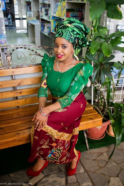 African Fashion Ankara Style Outfits (Traditional Service)