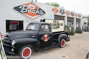 Garage Auto Tours : shop tour beck 39 s garage in oklahoma city a route 66 destination for sure ~ Gottalentnigeria.com Avis de Voitures