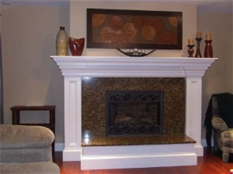 decorating  colonial style mantel
