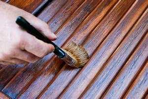 Comment Reparer Des Volets En Bois Abimes : comment repeindre vos volets en bois blog serplaste ~ Premium-room.com Idées de Décoration