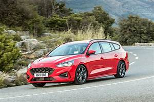 Ford Focus Sw St Line : 2019 ford focus wagon st line and vignale look good in red autoevolution ~ Medecine-chirurgie-esthetiques.com Avis de Voitures