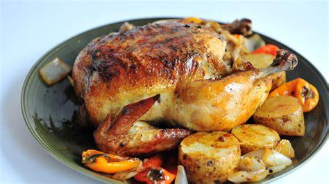 cuisiner poulet entier comment cuire un poulet entier au four 24 é