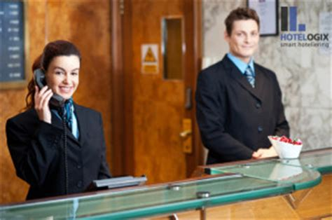 hilton employee help desk how to greet guest in hotel front office welcome guest