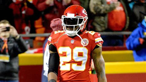 nfl injuries eric berry healthy  chiefs saints