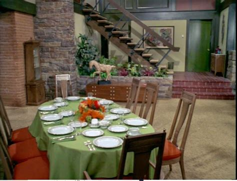 what does the of the interior do set brady bunch house interior www imgkid the image