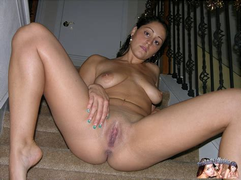 Amateur Latina Coed Gets Naked And Spreads Her Legs Coed
