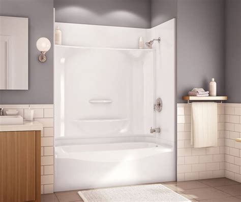 One Tub Shower by Baignoires Maax
