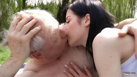 Teen Girl Fucking Old Man Outddoor To Cure Sex Addiction For Older Guys On Gotporn 3201325
