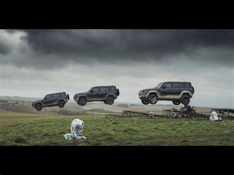The New Land Rover Defender Shows off in