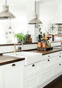 kitchen pics ideas 31 cozy and chic farmhouse kitchen décor ideas digsdigs