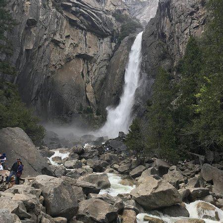 Lower Yosemite Fall Trail National Park