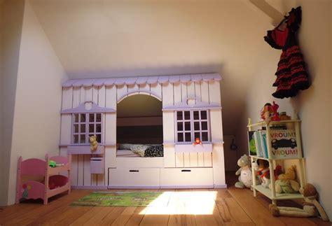 cabane dans chambre lit cabane mini house pour fille et garçon abramacabane
