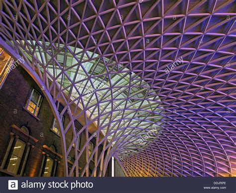 detail of the steel lattice work roof structure engineered by arup 60035430 alamy