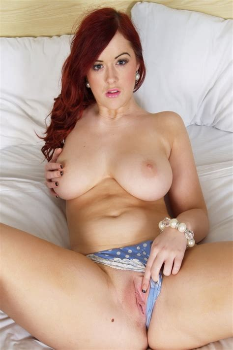 Hot Redhead With Nice Tits Shows Perfect Pink Pussy
