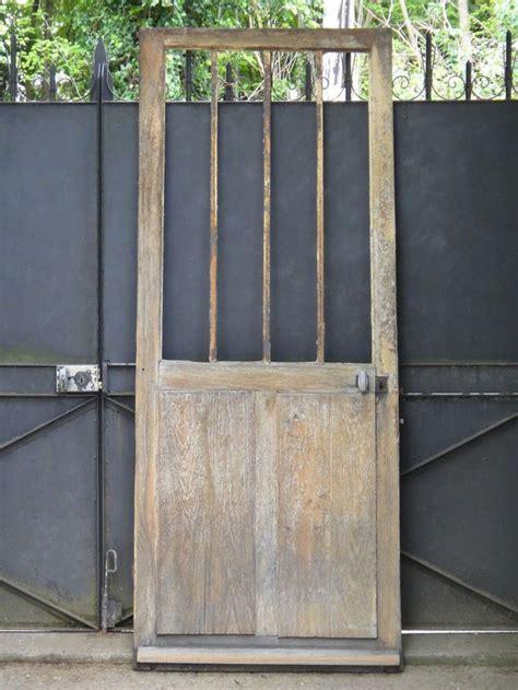 d 233 tails sur ancienne porte d entr 233 e d atelier vitr 233 e en ch 234 ne et fer 205 x 83 cm atelier et