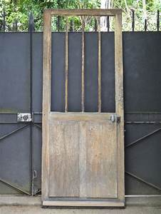 details sur ancienne porte d39entree d39atelier vitree en With porte de garage et porte d atelier en bois