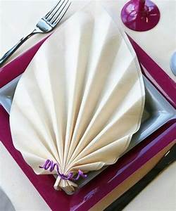 Modele De Pliage De Serviette : 11 best pliage de serviettes images on pinterest napkin folding how to fold napkins and napkins ~ Melissatoandfro.com Idées de Décoration