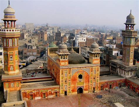 Travel & Adventures Lahore ( لاہور ) A Voyage To Lahore