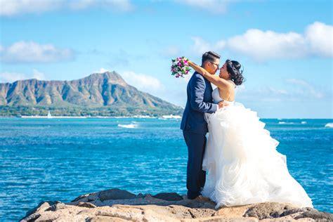 advantages   destination wedding   traditional wedding
