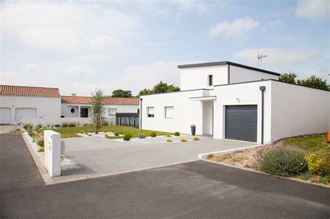 renover carrelage cuisine parvis garage moderne garage nantes par jardins de vendée