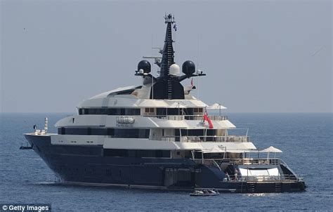 We Re Gonna Need A Bigger Boat Gta 5 by I M Gonna Need A Bigger Boat Steven Spielberg Is Selling