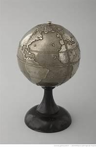 Mini Globe Terrestre : 17 best images about metal globes on pinterest shelves copper and globes ~ Teatrodelosmanantiales.com Idées de Décoration