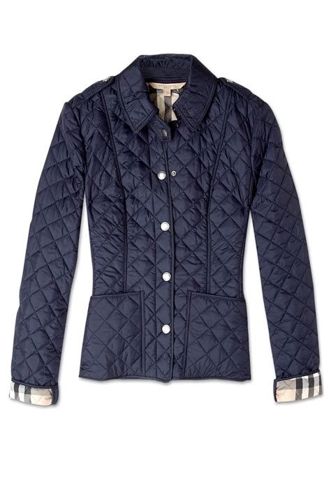 c2 crop jacket navy burberry brit cropped quilted jacket in blue navy lyst