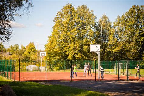 Bēnes vidusskolas sporta laukums - Bildberg.lv