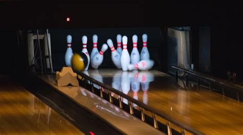 setting    backyard bowling alley diy projects