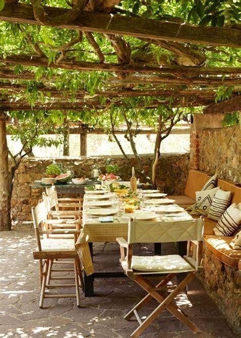 Sichtschutz Garten Landhausstil sichtschutz landhausstil pergola holz weintraube terrasse